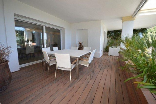 Sold: 3 Bedroom, 3 Bathroom Apartment in Monte Paraiso, Marbella Golden Mile