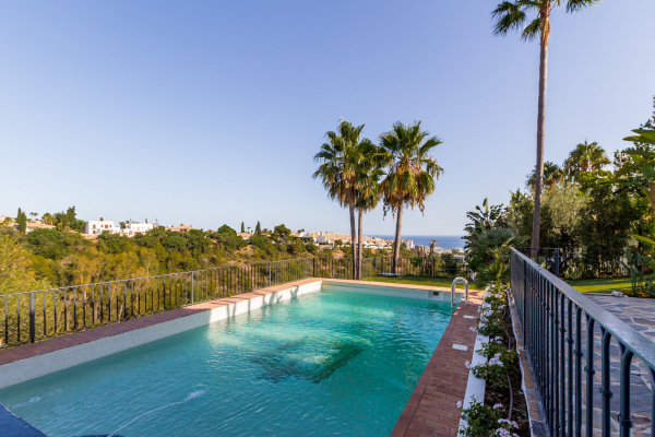 4 Bedroom, 4 Bathroom Villa For Sale in Monte Paraiso Golf & Country Club, Marbella