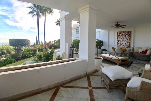 3 Bedroom, 3 Bathroom Apartment For Sale in Monte Paraiso Golf & Country Club, Marbella Golden Mile