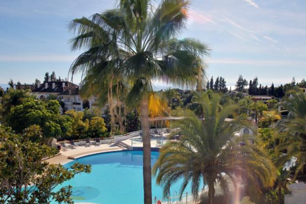 4 Bedroom, 4 Bathroom Penthouse For Sale in Monte Paraiso, Marbella Golden Mile