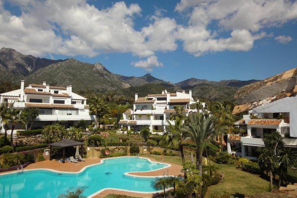 3 Bedroom, 4 Bathroom Apartment For Sale in Monte Paraiso, Marbella Golden Mile