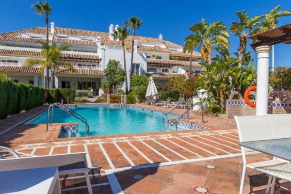 Sold: 3 Bedroom, 2 Bathroom Apartment in Monte Paraiso, Marbella Golden Mile