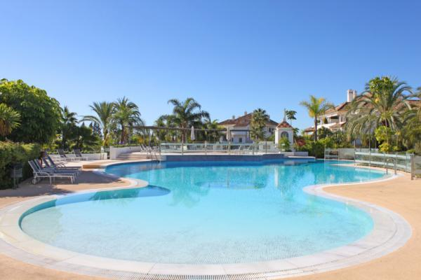 3 Bedroom2, Bathroom Apartment For Sale in Monte Paraiso, Marbella Golden Mile