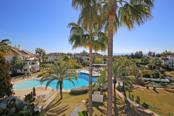 4 Bedroom, 4 Bathroom Penthouse For Sale in Monte Paraiso, Marbella