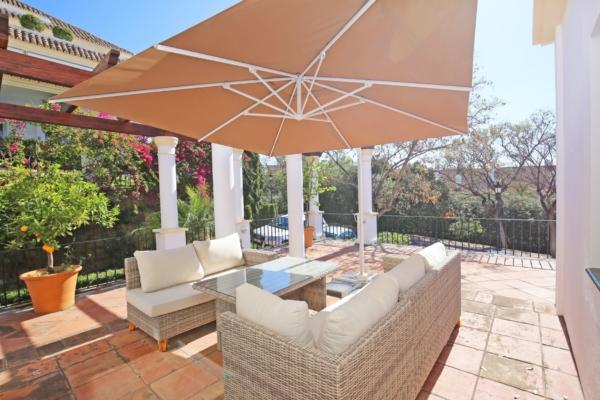 3 Bedroom3, Bathroom Apartment For Sale in Monte Paraiso, Marbella Golden Mile