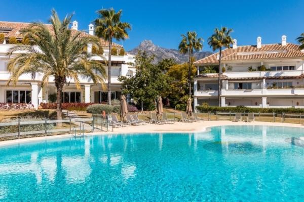 5 Bedroom, 5 Bathroom Apartment For Sale in Marbella Golden Mile