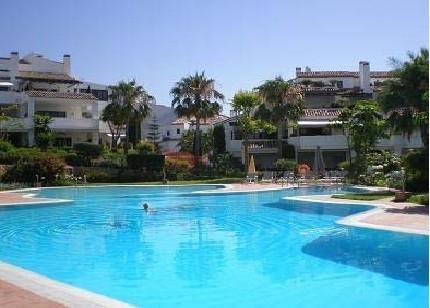 4 Bedroom, 4 Bathroom Apartment For Sale in Marbella Golden Mile